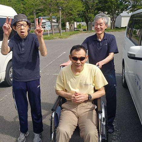 青森県弘前市にある、障がい者支援施設、拓光園グループ。事業所の紹介をしています。